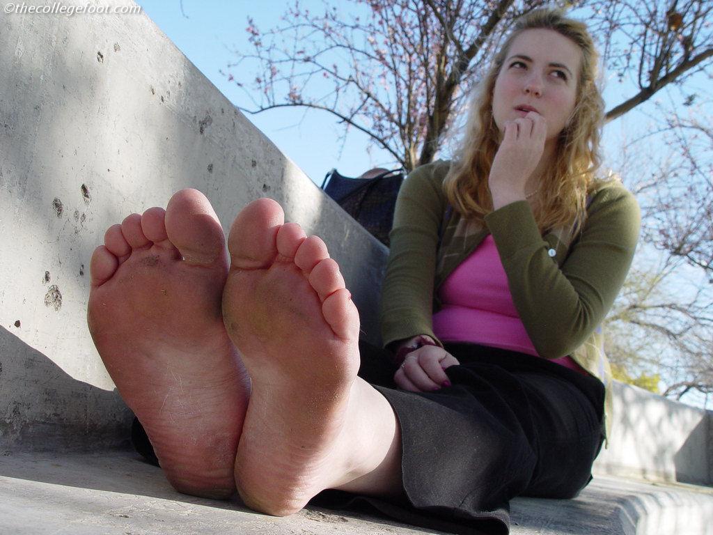 Вонючие Ножки Девушек Фото